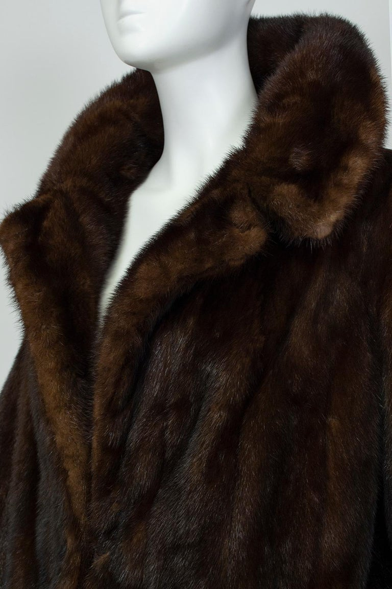 Mahogany Mink Chubby Fur Jacket with Oversize Collar, 1956 For Sale 1