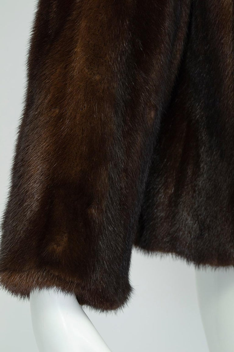 Mahogany Mink Chubby Fur Jacket with Oversize Collar, 1956 For Sale 3