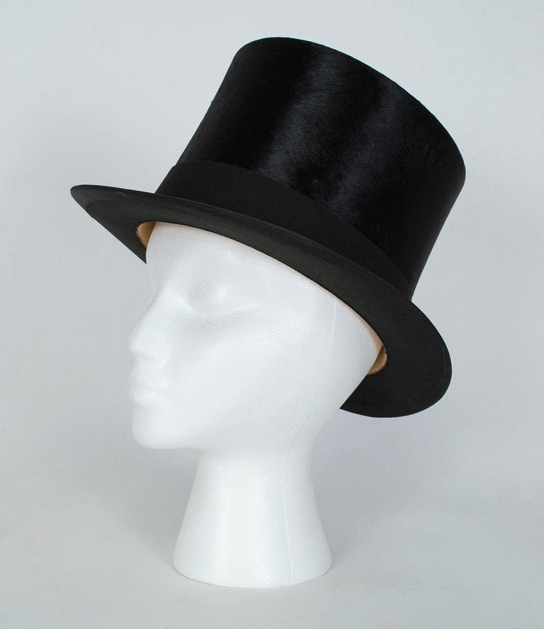 Brown Harrod's Beaver Fur Top Hat and Travel Case with Transport Stickers, 1910 For Sale