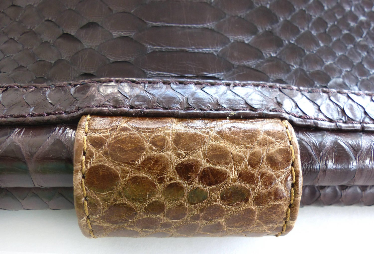 1stdibs Cobra Clutch With Black Python And Crocodile Snap Closure By Glen Arthur Designs g0Ivd2F