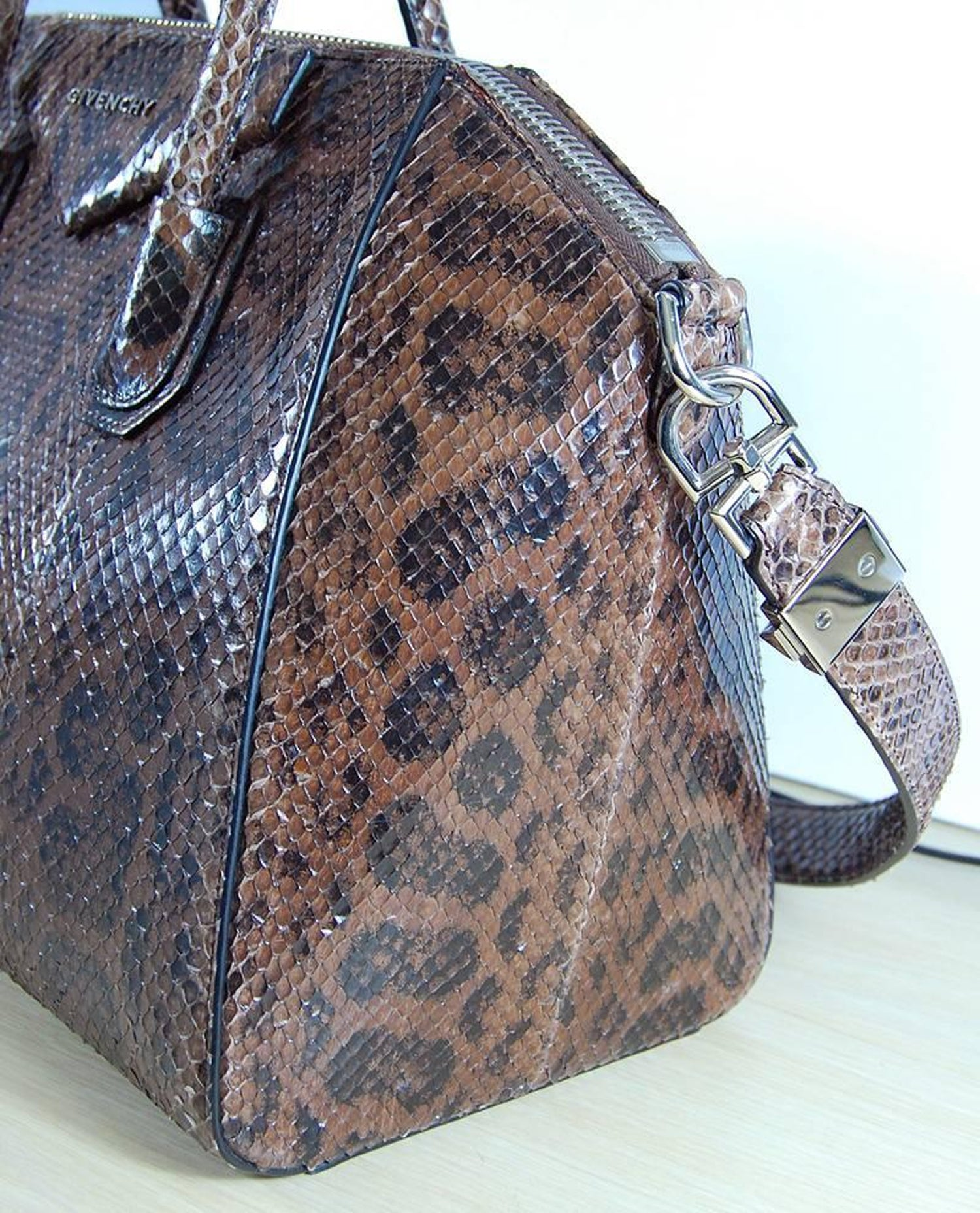 0c099dc21cc8 Givenchy Brown Python Antigona Medium Bag For Sale at 1stdibs