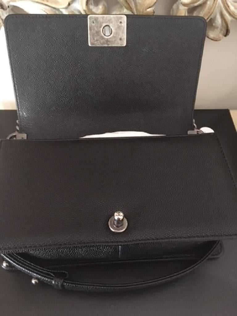 Women's or Men's Chanel Medium Boy Bag in Caviar leather  For Sale