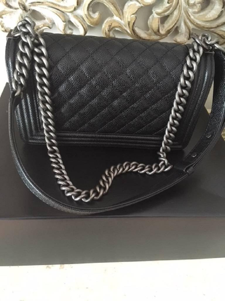 Chanel Medium Boy Bag in Caviar leather  For Sale 4