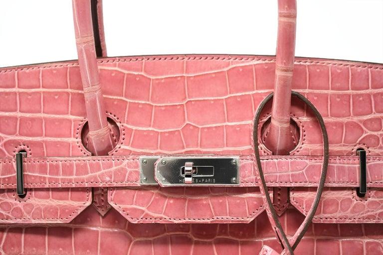 2acca4c44ff Women s Hermes Birkin Bag 35cm Rose Indienne Alligator with Palladium  Hardware For Sale
