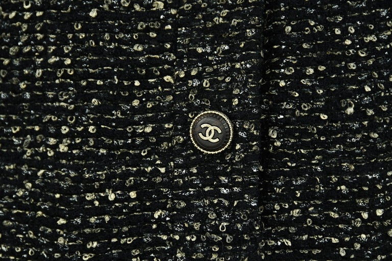 Chanel Black & Gold A-line Dress with Three Quarter Sleeves - Size FR 38 For Sale 2