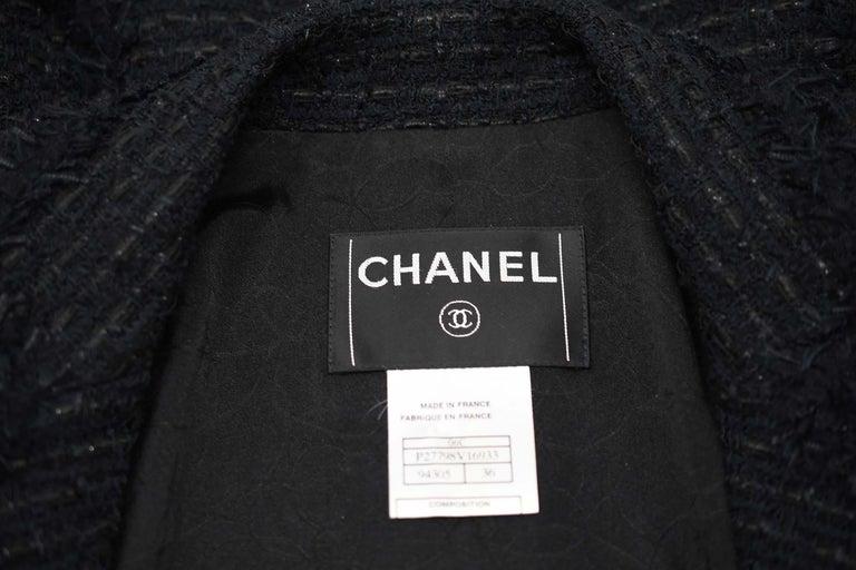 Chanel Classic Black Tweed Blazer with Peak Lapel - Size FR 36 For Sale 4