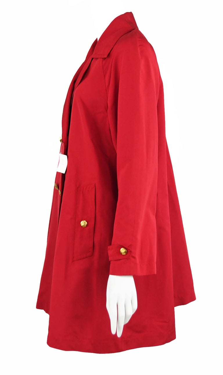 Chanel Vintage Red Rain Coat with Gold Buttons - Size FR 34 In Excellent Condition For Sale In Newport, RI