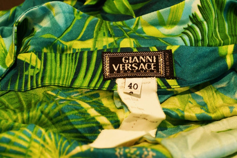 Iconic Gianni Versace Couture Tropical Print Dress - Size IT 40 For Sale 2