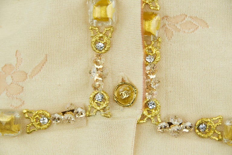 Vintage Chanel Peach & Gold Cardigan - FR 38 For Sale 3