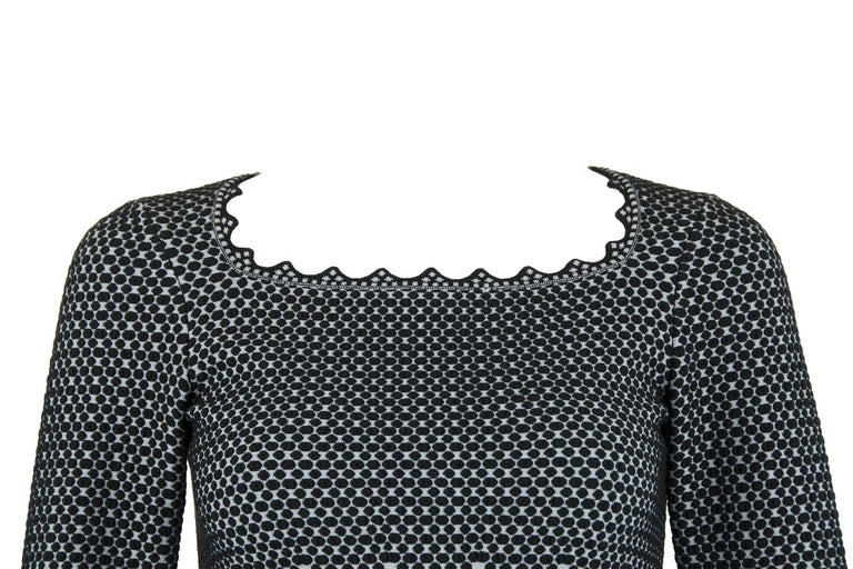 Alaia Black and Gray Knit Jacquard Fit & Flare Dress - Size FR 36 For Sale 2