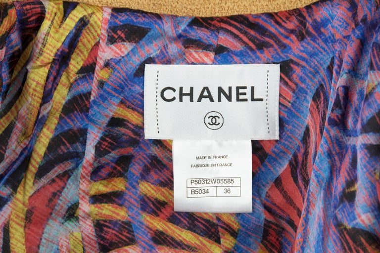 Chanel Camel Blazer with Magenta Multicolor Wool Trim - Size FR 36 For Sale 3
