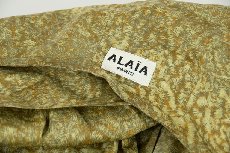 Alaia Green & Brown Printed SIlk Tiered Dress - Size FR 44 For Sale 2