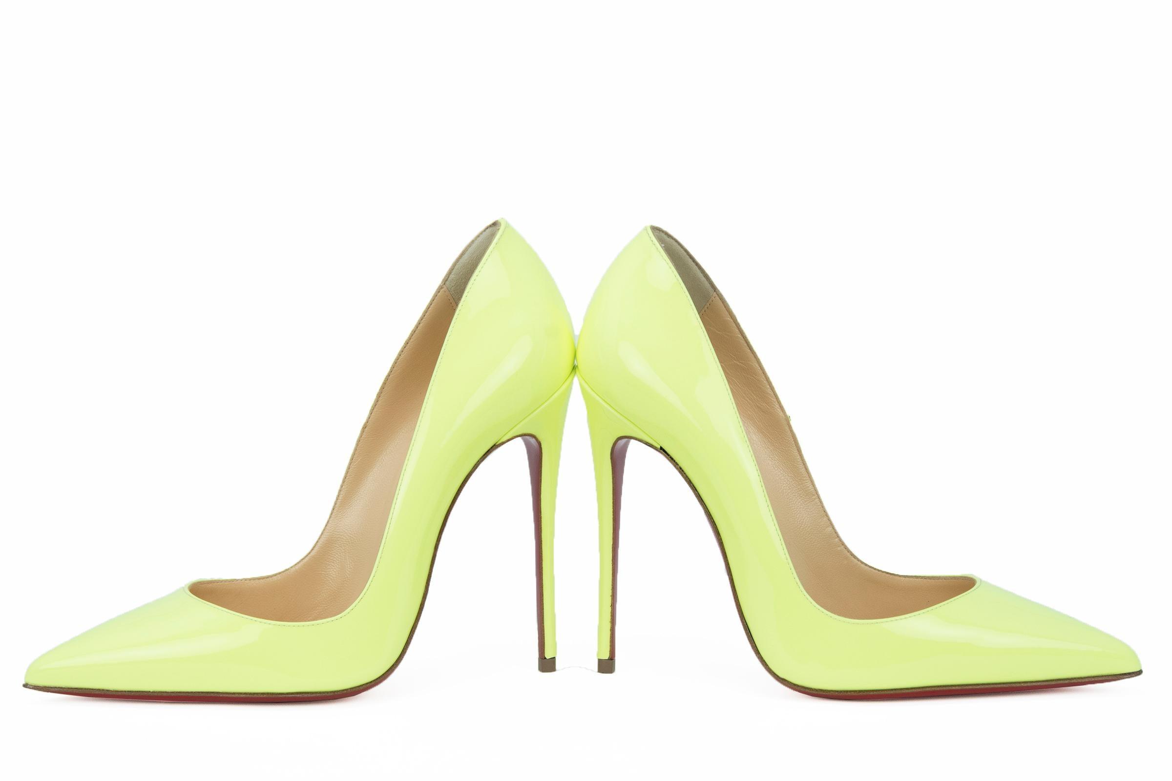 4baeac8cf8cc ... sweden christian louboutin neon green so kate pumps at 1stdibs 9e017  ec1e4