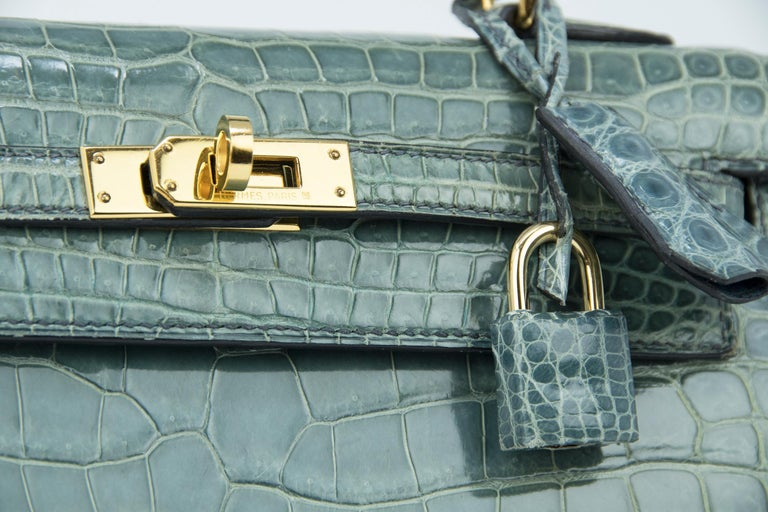Women's Hermes Kelly 25cm Blue Jean Crocodile Sellier Bag GHW For Sale