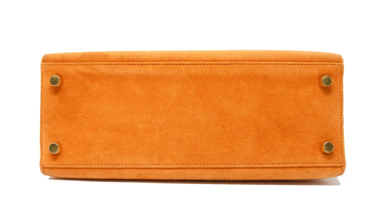 Women's Hermes Kelly Sellier Bag 25cm Orange Suede with Gold Hardware For Sale