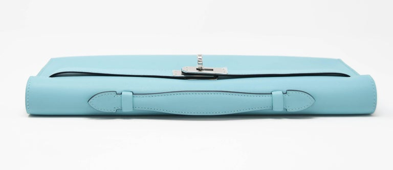 Hermes Kelly Cut Blue Atoll Kelly Clutch Swift PHW In New Condition For Sale In Newport, RI