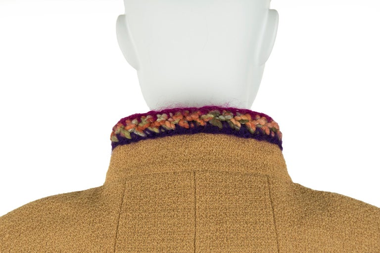 Chanel Camel Blazer with Magenta Multicolor Wool Trim - Size FR 36 For Sale 2