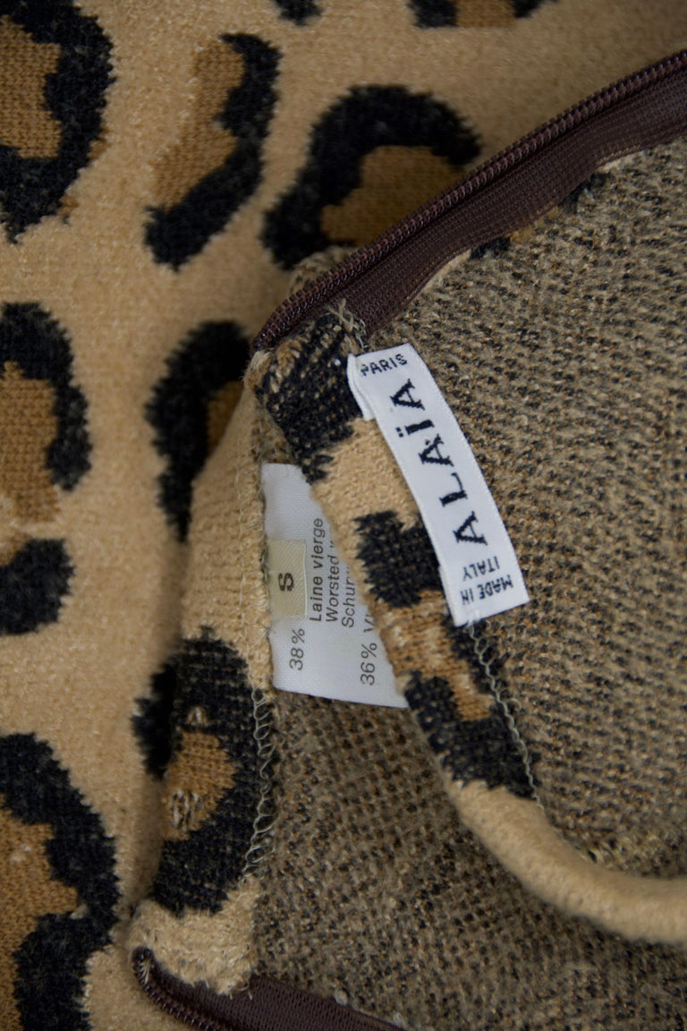 Alaia Vintage Leopard V Neck Dress with Band 1991 - Size S In Excellent Condition For Sale In Newport, RI