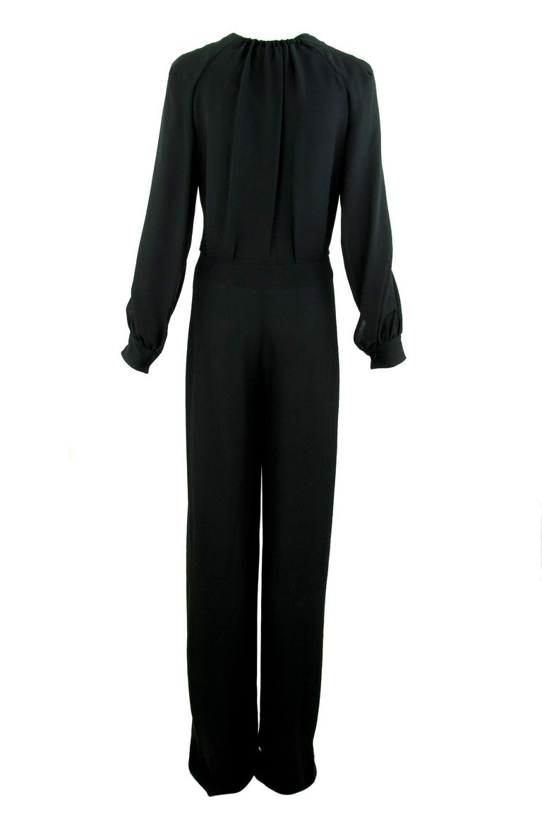 Chloe Black Low V-Neck Jumpsuit - Size FR  38 In Excellent Condition For Sale In Newport, RI