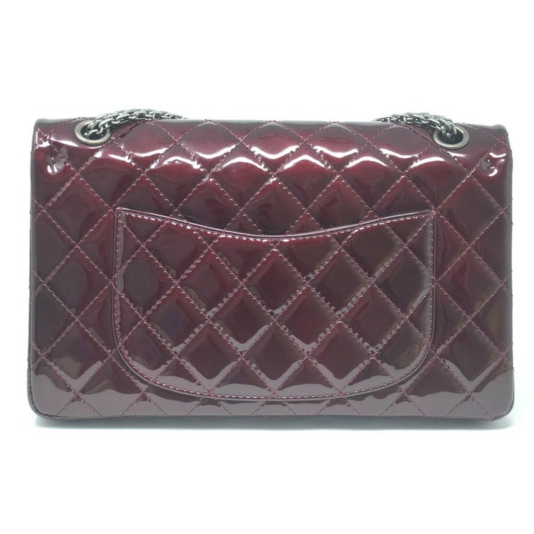 f7595058f212 Chanel Burgundy Reissue Patent Leather 2.55 Classic Handbag In Excellent  Condition For Sale In Boca Raton