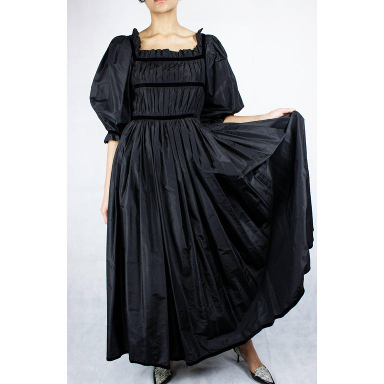 Louis Feraud couture black taffeta evening gown, Circa 1970 In Excellent Condition In London, GB