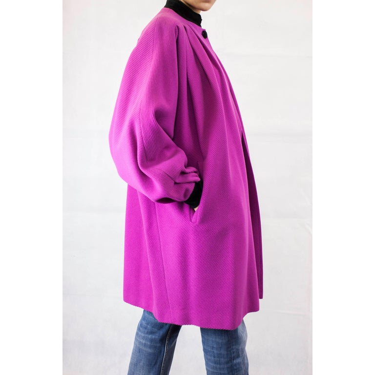Valentino fuchsia wool coat, circa 1980 In Excellent Condition For Sale In London, GB