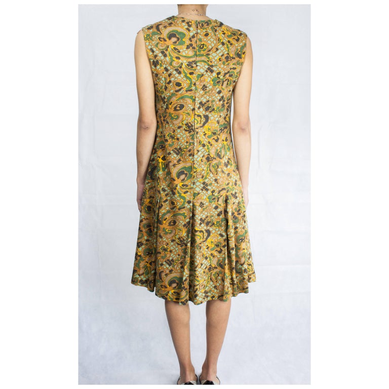 Jean Patou stylised floral motifs brushed wool dress, circa 1960s In Excellent Condition For Sale In London, GB