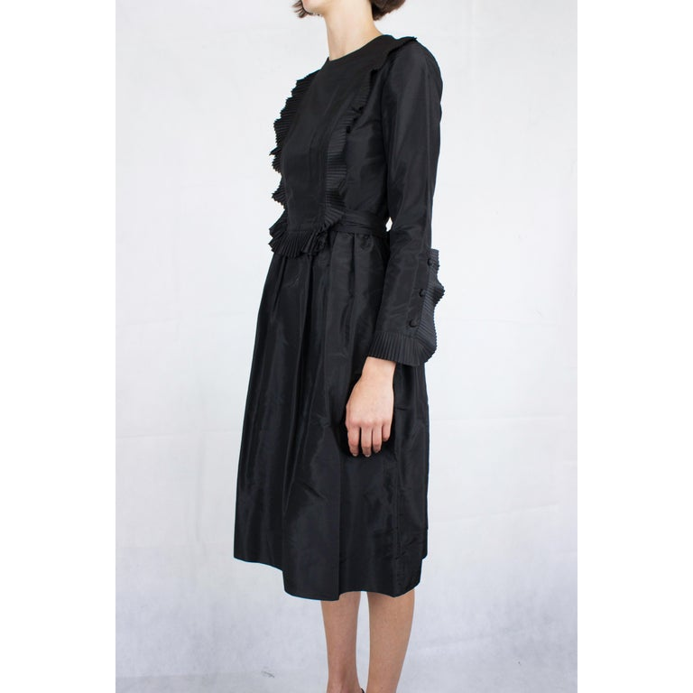 Chanel silk little black dress, Circa 1970 In Excellent Condition For Sale In London, GB