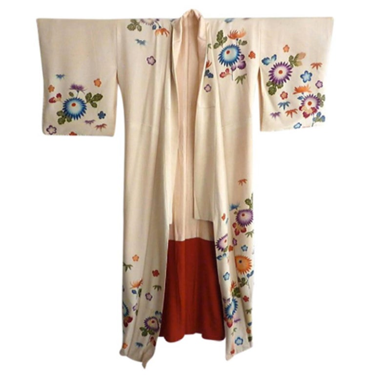 Embroidered Vintage Japanese Silk Kimono  For Sale