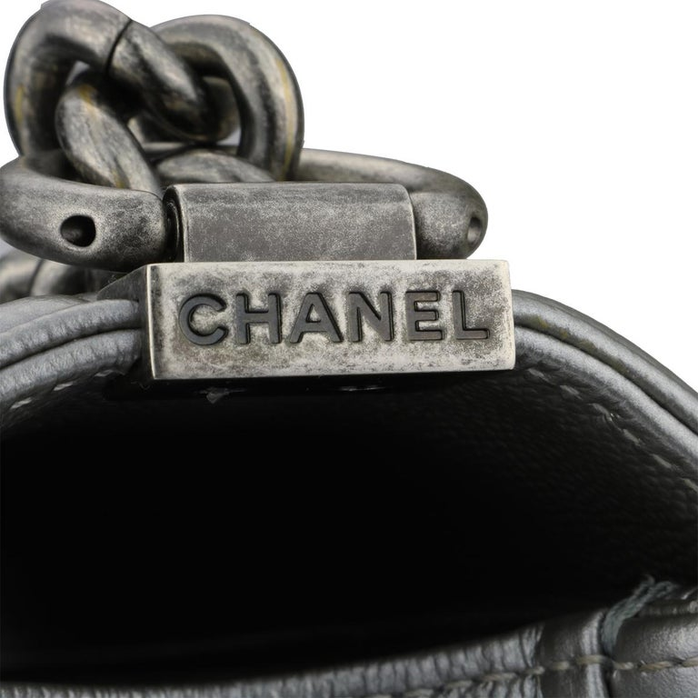 CHANEL New Medium Quilted Boy Silver Grey Caviar with Ruthenium Hardware 2018 For Sale 2