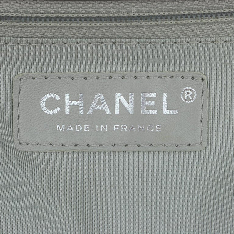CHANEL New Medium Quilted Boy Silver Grey Caviar with Ruthenium Hardware 2018 For Sale 12