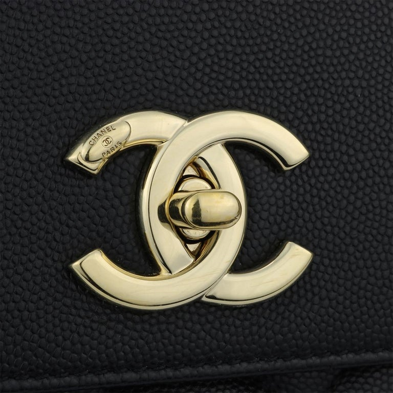 CHANEL Business Affinity Large Black Caviar with Champagne Hardware 2017 In Excellent Condition For Sale In Huddersfield, GB