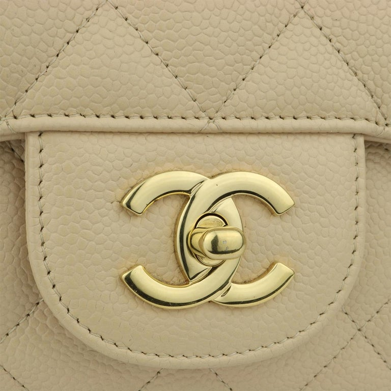 CHANEL Classic Single Flap Jumbo Beige Clair Caviar with Gold Hardware 2009 In Excellent Condition For Sale In Huddersfield, GB