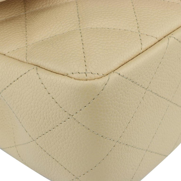 CHANEL Classic Single Flap Jumbo Beige Clair Caviar with Gold Hardware 2009 For Sale 4
