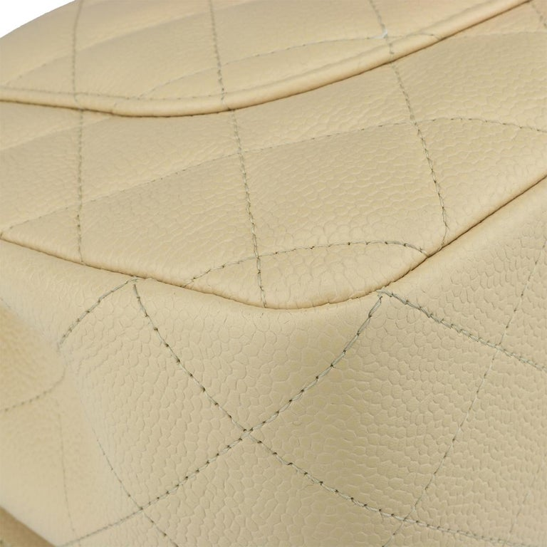 CHANEL Classic Single Flap Jumbo Beige Clair Caviar with Gold Hardware 2009 For Sale 6