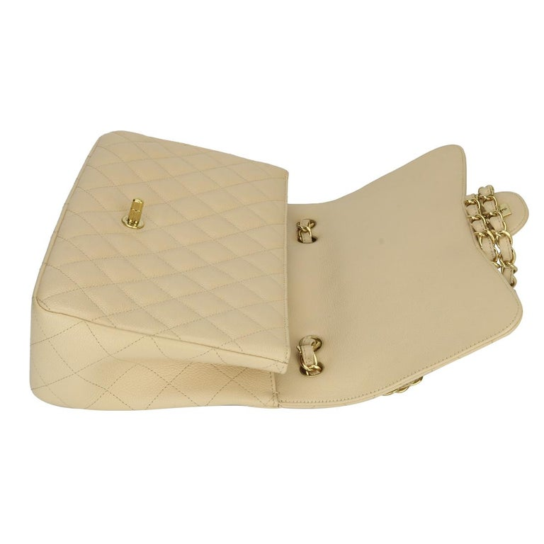 CHANEL Classic Single Flap Jumbo Beige Clair Caviar with Gold Hardware 2009 For Sale 9