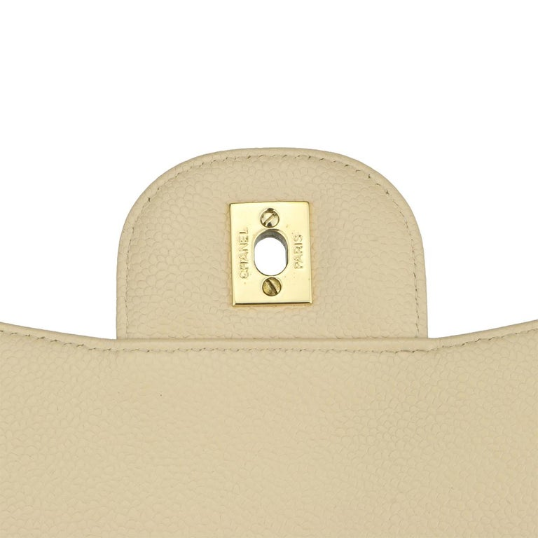 CHANEL Classic Single Flap Jumbo Beige Clair Caviar with Gold Hardware 2009 For Sale 10