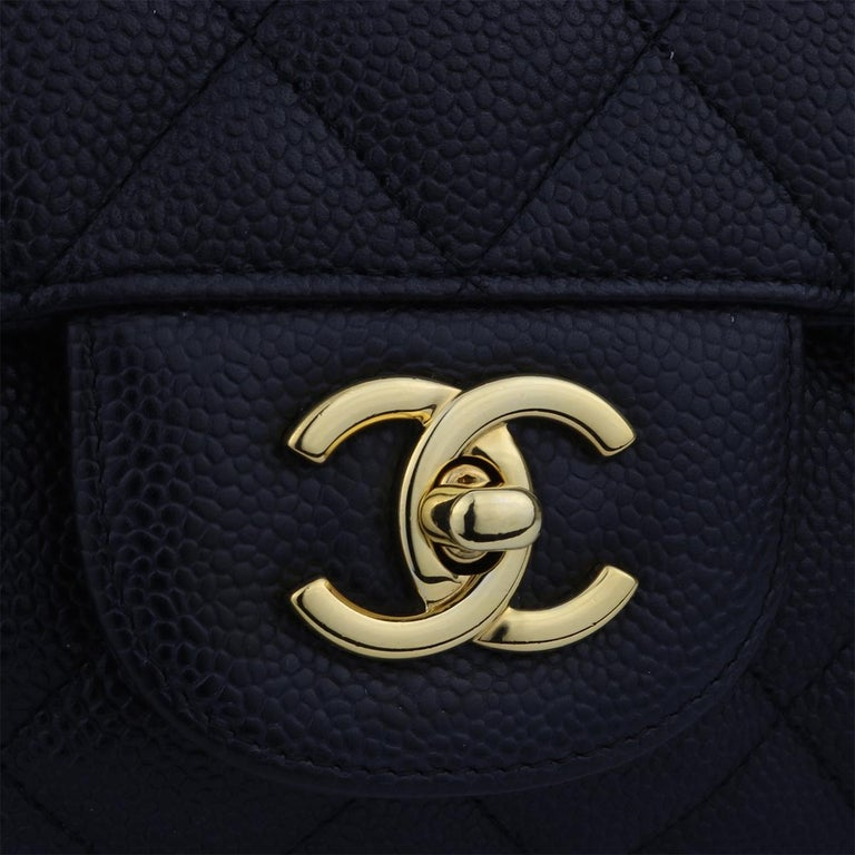 CHANEL Black Caviar Maxi Single Flap with Gold Hardware 2009 In Excellent Condition For Sale In Huddersfield, GB