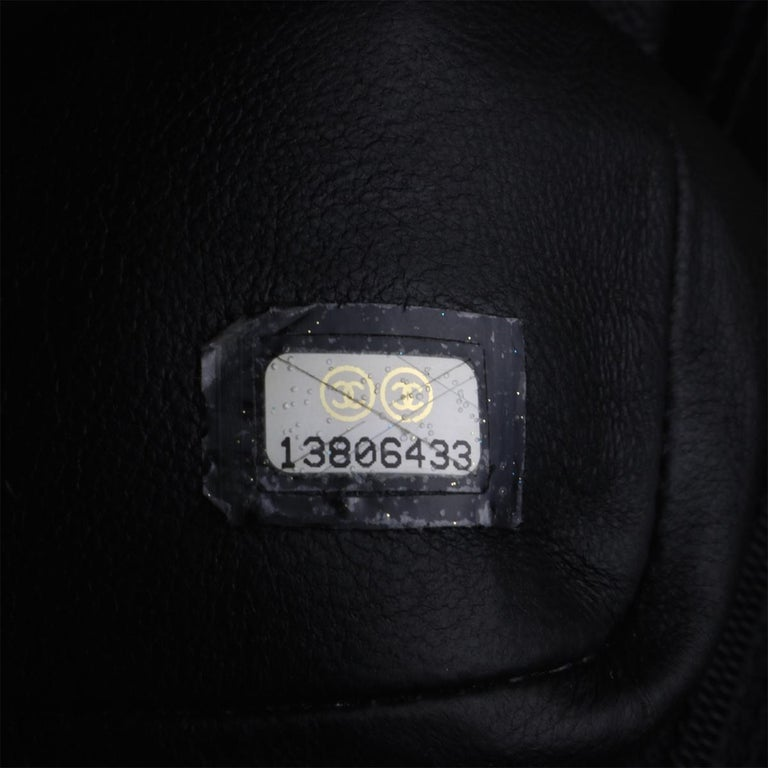 CHANEL Black Caviar Maxi Single Flap with Gold Hardware 2009 For Sale 13