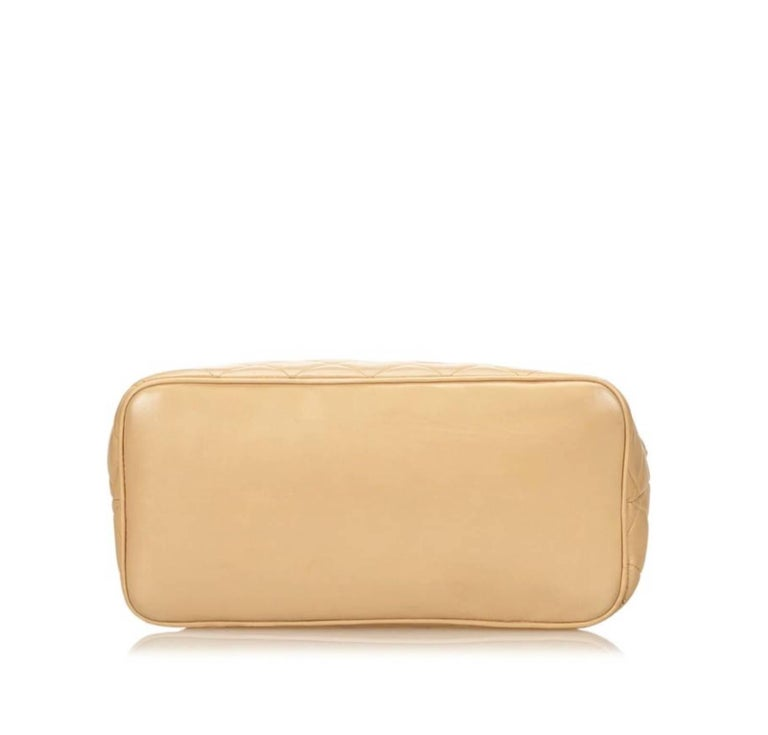 Chanel Lambskin Leather Medallion with Gold Hardware in Cream For Sale 3