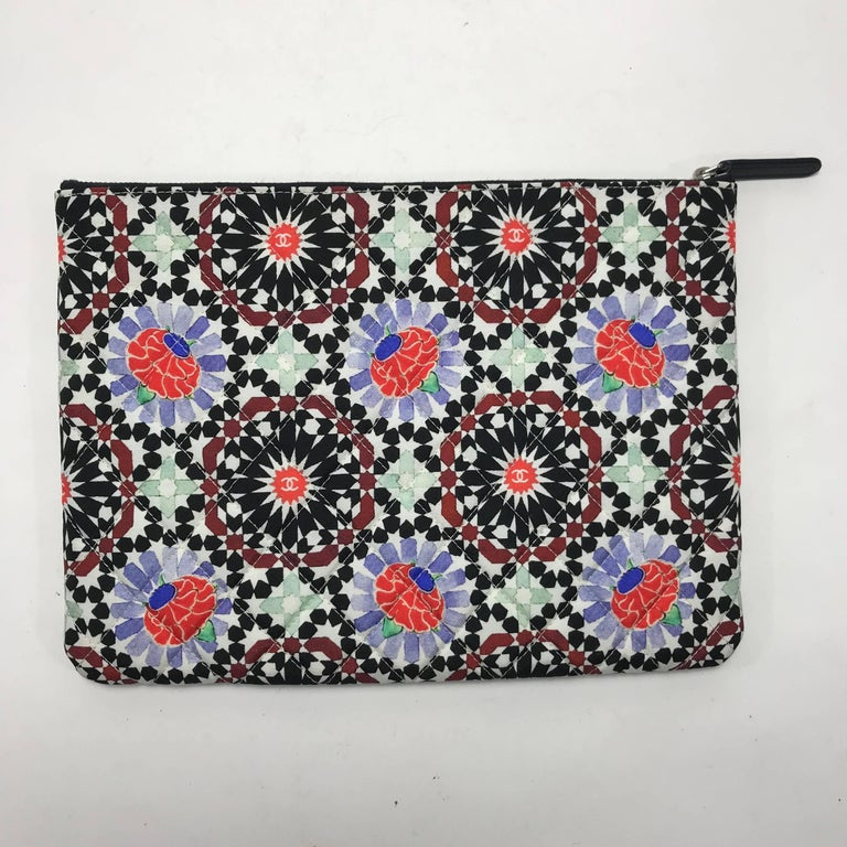 Chanel Dubai O Clutch Kaleidoscope Floral and Diamond Pattern In New Condition For Sale In Saint Charles, IL