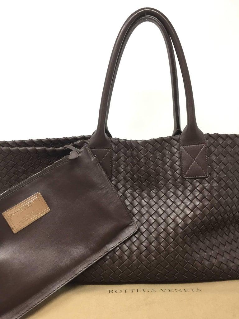 Bottega Veneta Cabat Espresso Lambskin Leather Shopping Tote Bag For Sale 8