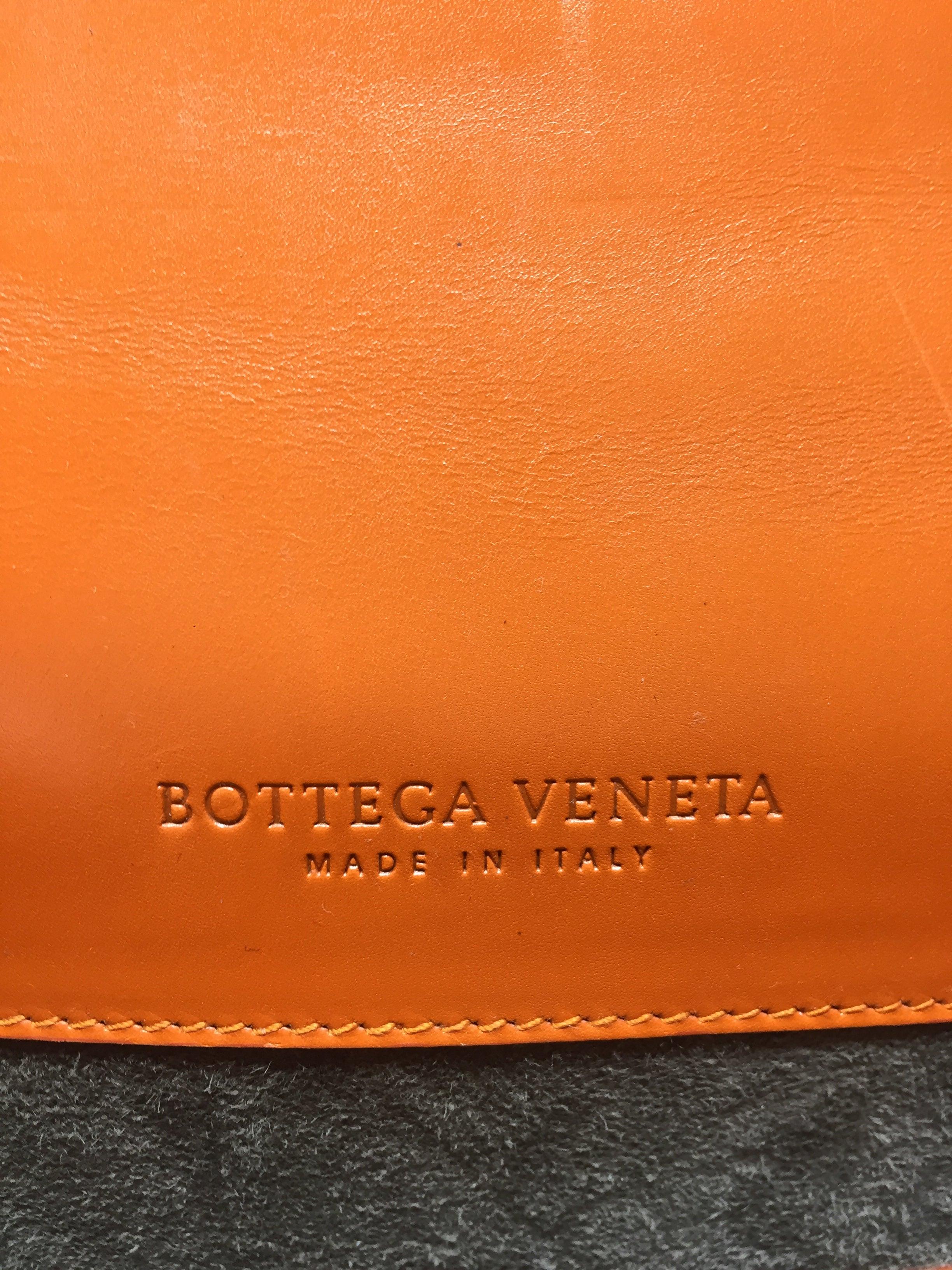 b13dbaa995 Bottega Veneta BV Crocodile Orange Leather Clutch For Sale at 1stdibs