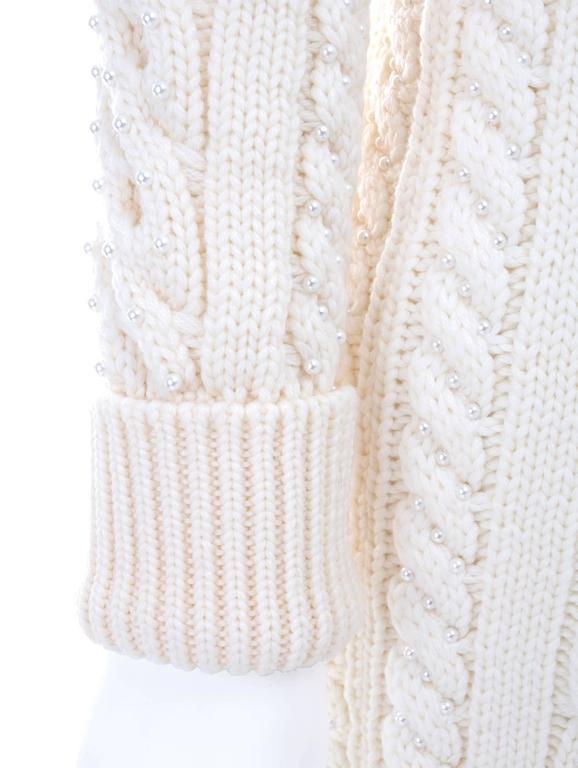 Vintage CHANEL Pearl Encrusted Cable Knit Cardigan in Creme sz.Large 4