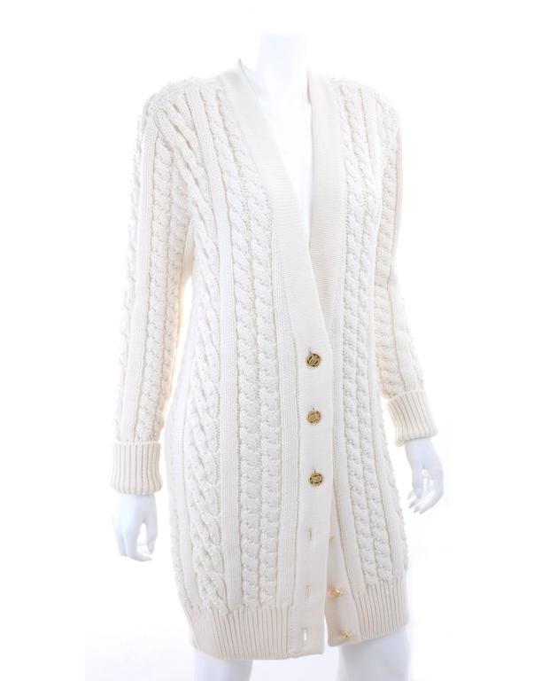Vintage CHANEL Pearl Encrusted Cable Knit Cardigan in Creme sz.Large 2