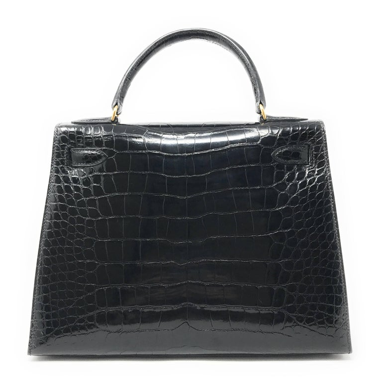Hermes Kelly 28cm Black Shiny Alligator Bag In Good Condition For Sale In New York, NY