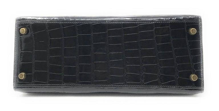 Women's or Men's Hermes Kelly 28cm Black Shiny Alligator Bag For Sale