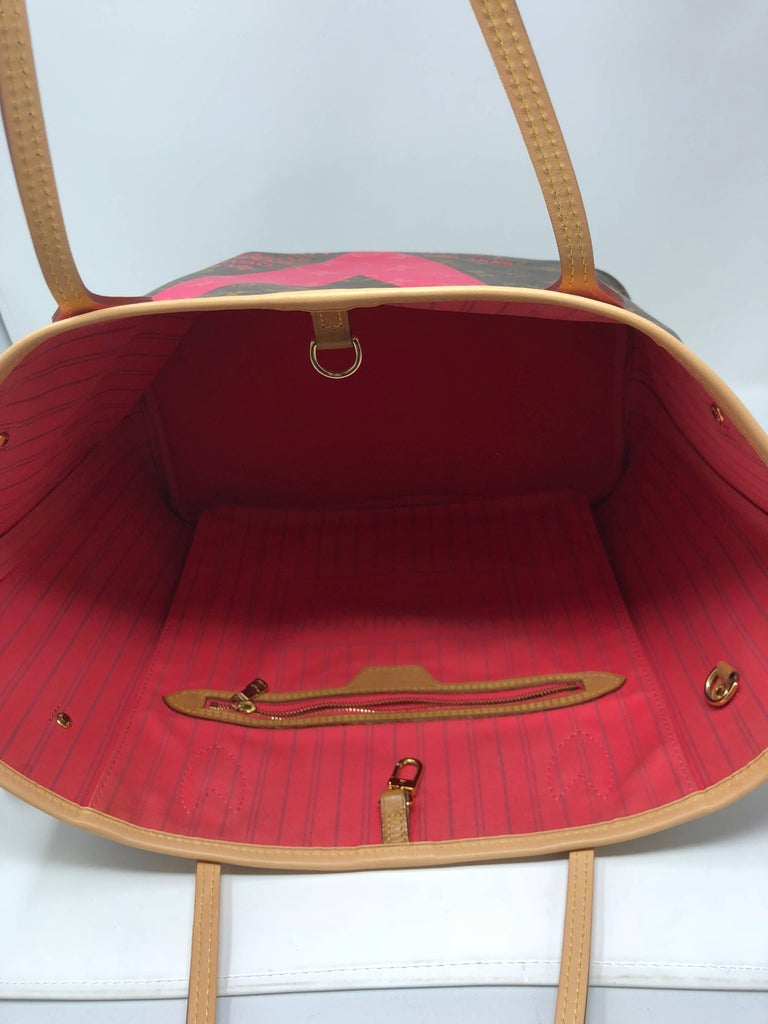 5e73eb9b9c1b1 Louis Vuitton Neverfull MM Limited Edition V Pink Brown In Good Condition  For Sale In Athens