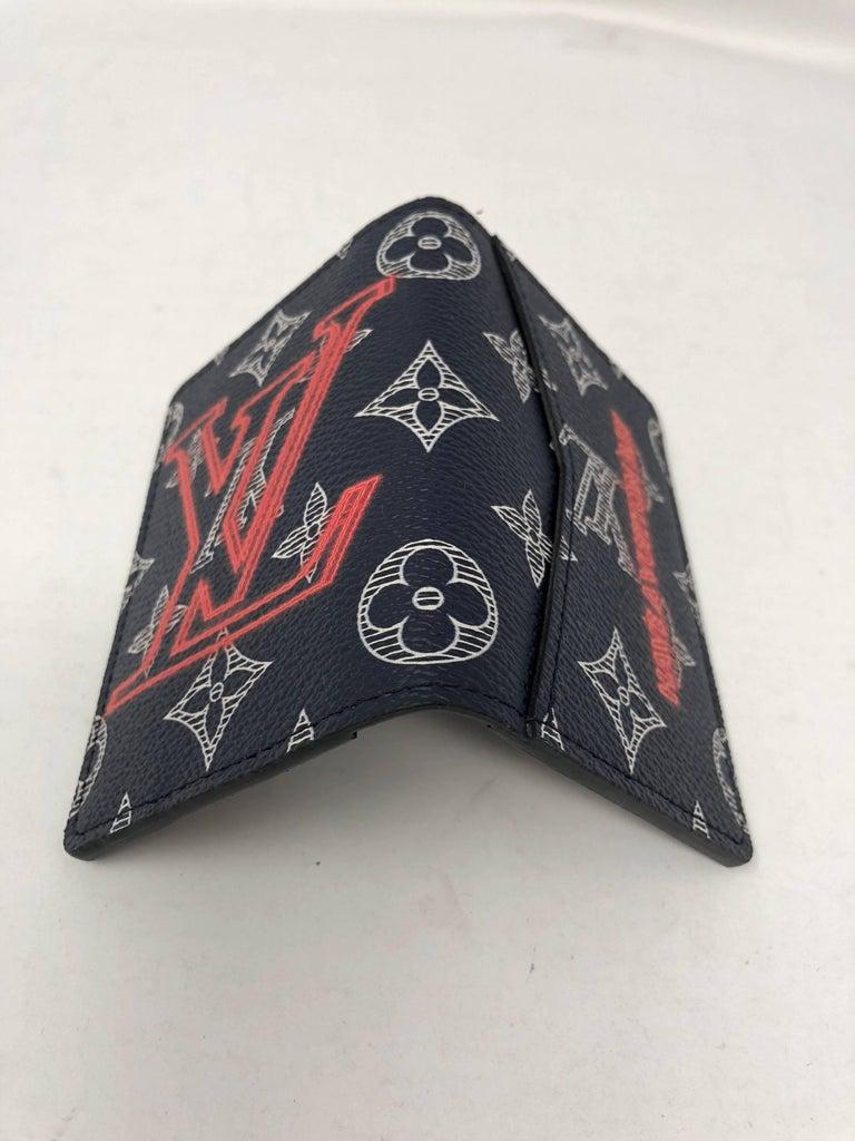 978a176d0015 Women s or Men s Louis Vuitton Upside Down Pocket Organizer For Sale