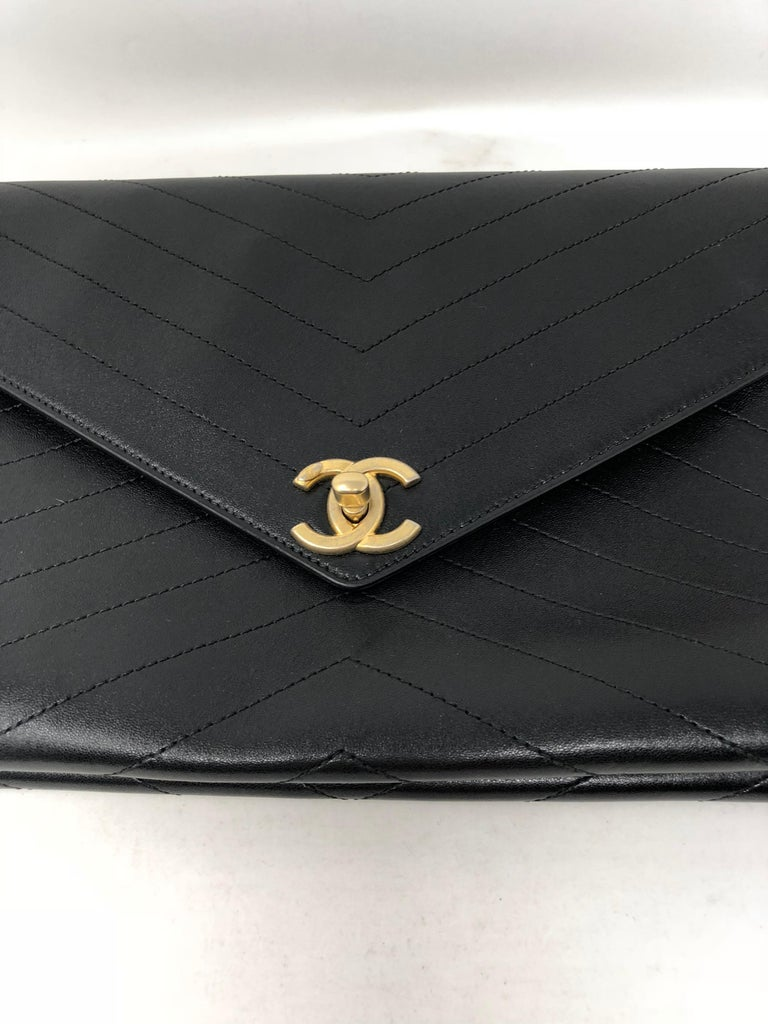 26e34c6029e2 Chanel Black Envelope Chevron Clutch In Excellent Condition For Sale In  Athens